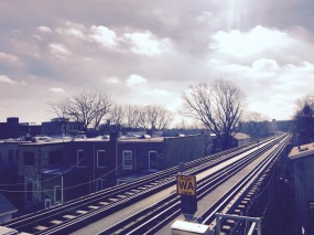 Looking northwards up the Brown Line in Chicago